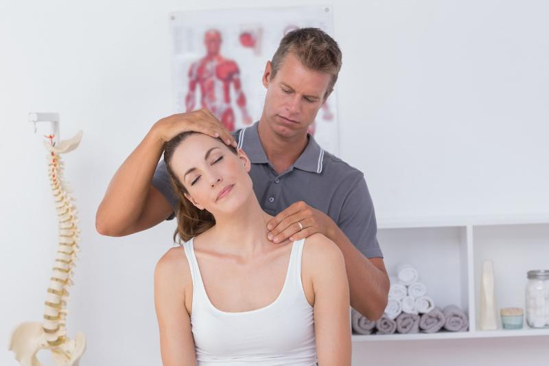The Benefits Of Chiropractic Treatment and Factors To Consider When You Need to see a Chiropractor